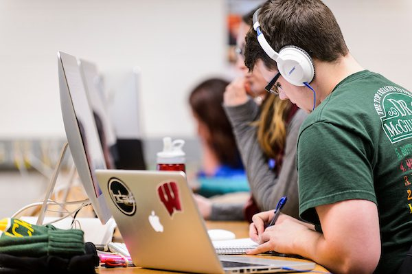 UW-Madison Summer Term student participates in class in a computer lab