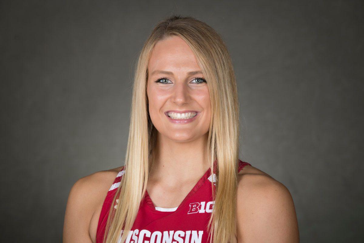 UW women's basketball player grace mueller headshot